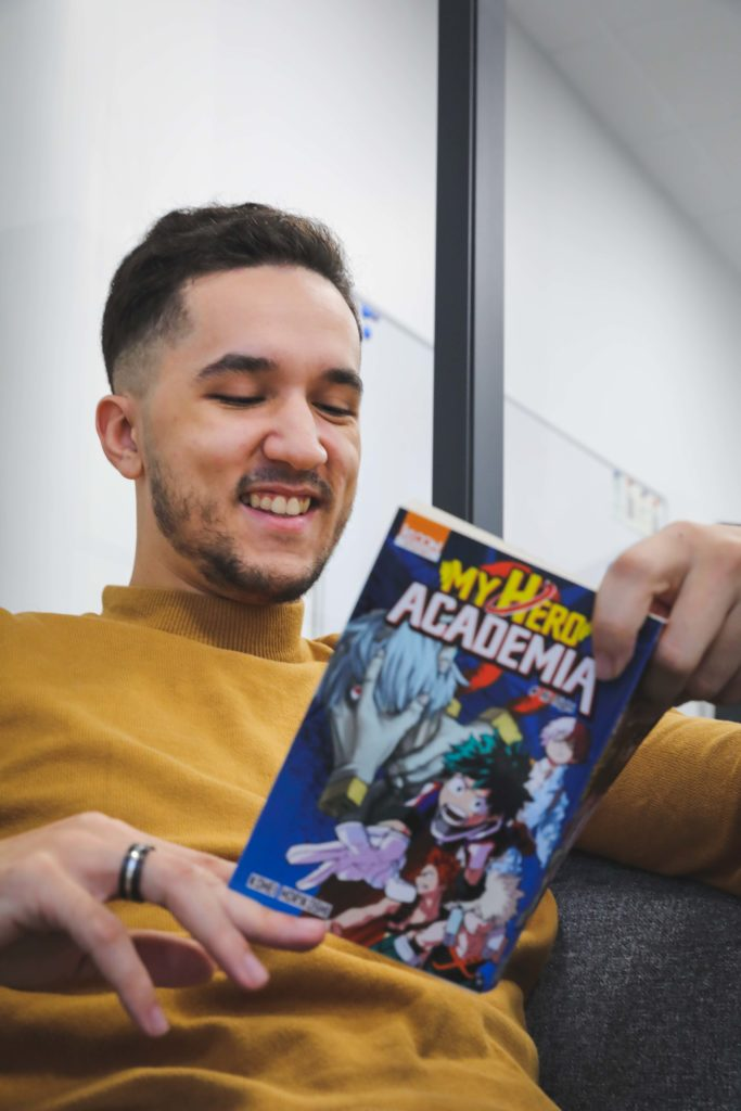 Karim aime beaucoup les mangas - Val d'Oise Communication